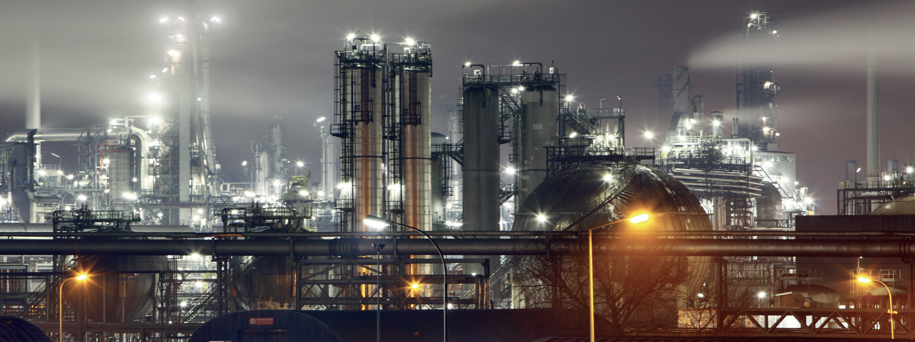 Purification of hydrogen through a HYCO plant in a refinery